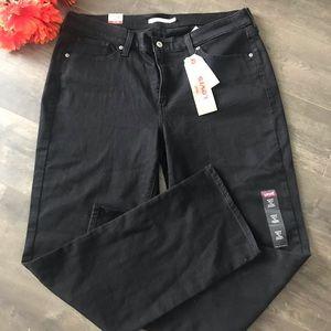 Women's NWT Black Levi's 414 Jeans- Sz 18W